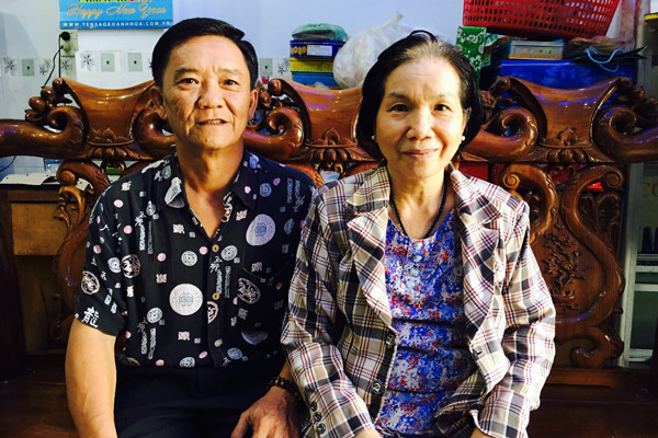 Hai vợ chồng chú Tri đã đồng hành cùng nhau vượt qua bao khó khăn của bệnh tật và cuộc sống - Ảnh NVCC.